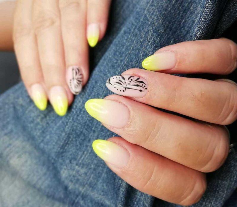 Идея желтого маникюра на длинные ногти