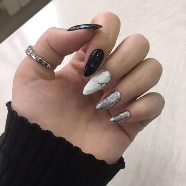 Маникюр с серебрянными блестками