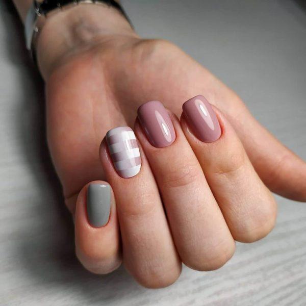 Трехцветный маникюр на короткие ногти