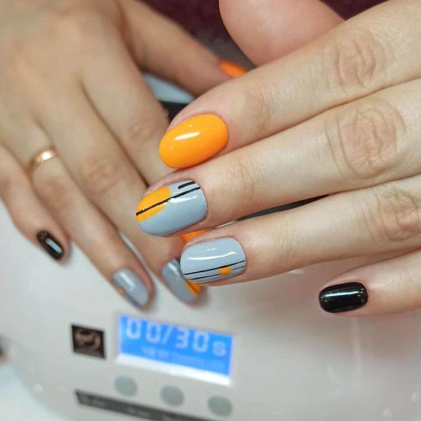 Оранжево-голубой маникюр на короткий овал