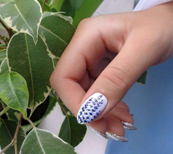 Маникюр с лавандой на длинные ногти