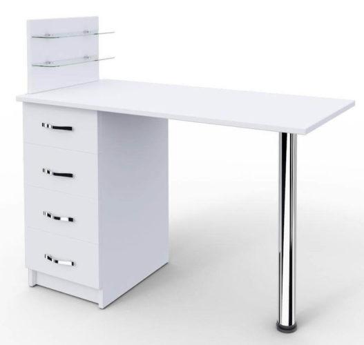 маникюрный стол с узкими полочками для флаконов с лаком