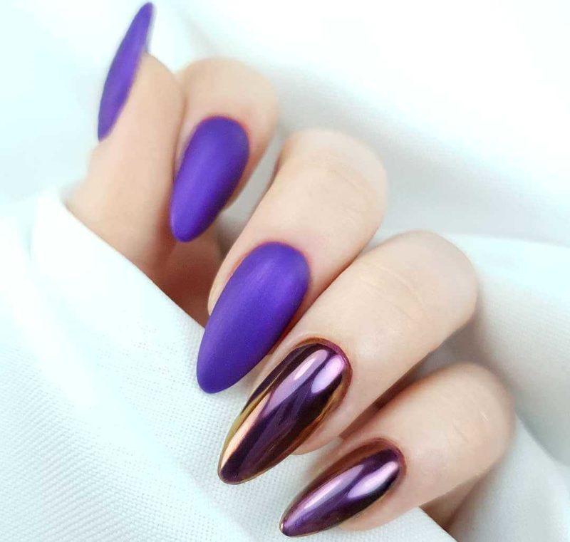Матовый фиолетовый маникюр с втиркой
