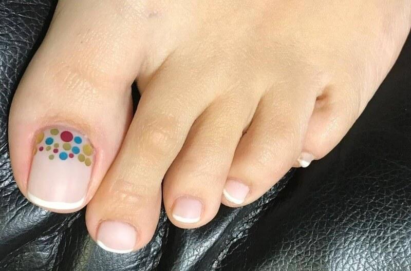 Матовый неал-арт с камифубиками на ногах