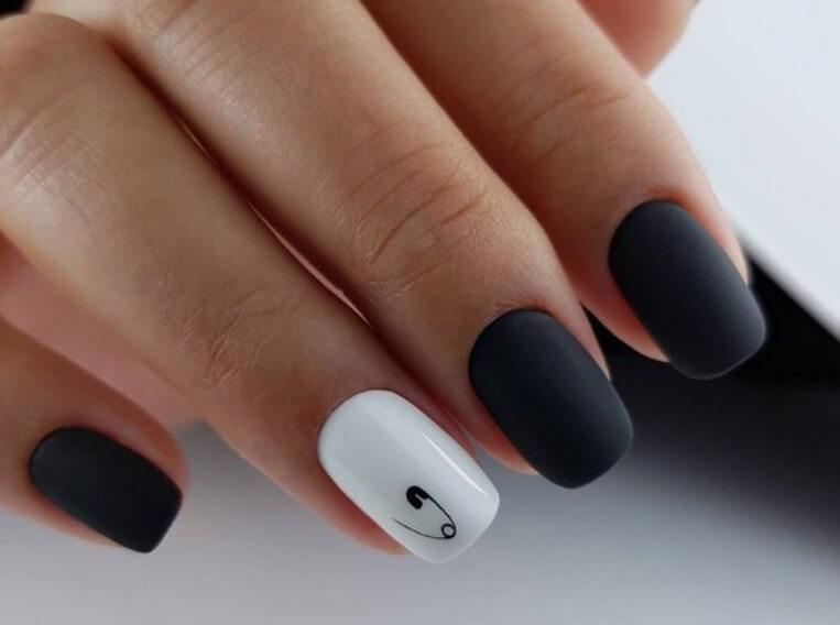 Мелкие рисунки на ногтях - шпилька