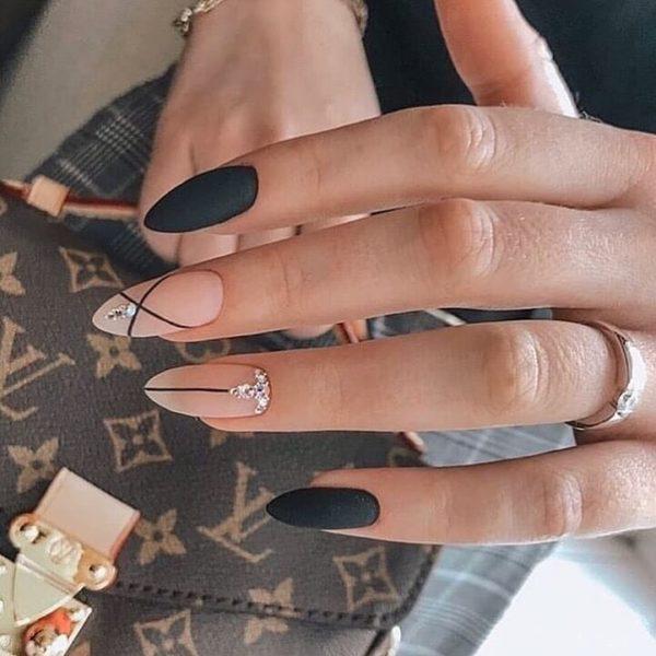 Маникюр в стиле минимализм на длинные ногти