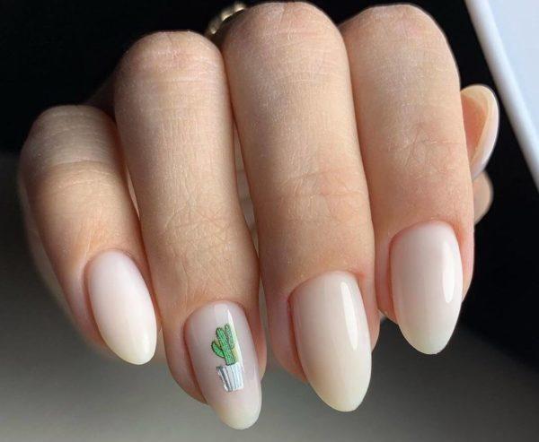 Нежный маникюр на длинные ногти