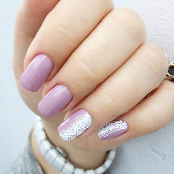 Бело-розовый пузырьковый маникюр