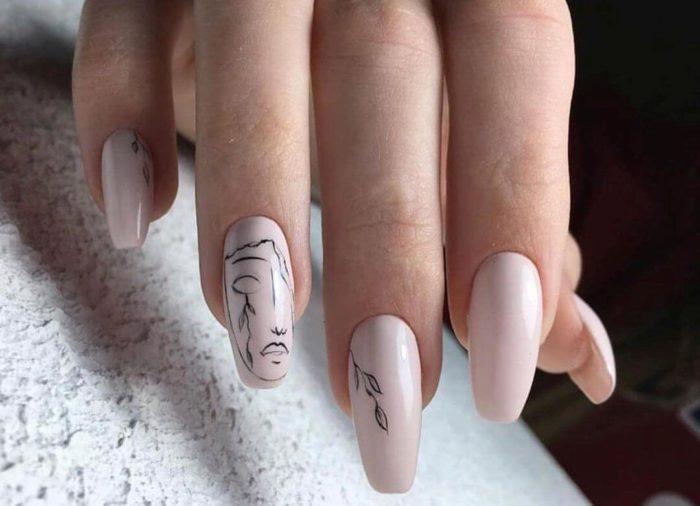Нюдовый минимализм на длинные ногти