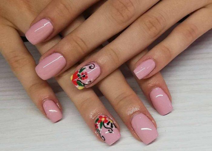 Нюд с цветами на двух пальцах