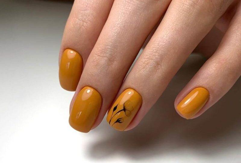 Оранжевая акварельная роспись на короткие ногти