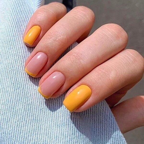 Оранжевый маникюр на короткие ногти френч