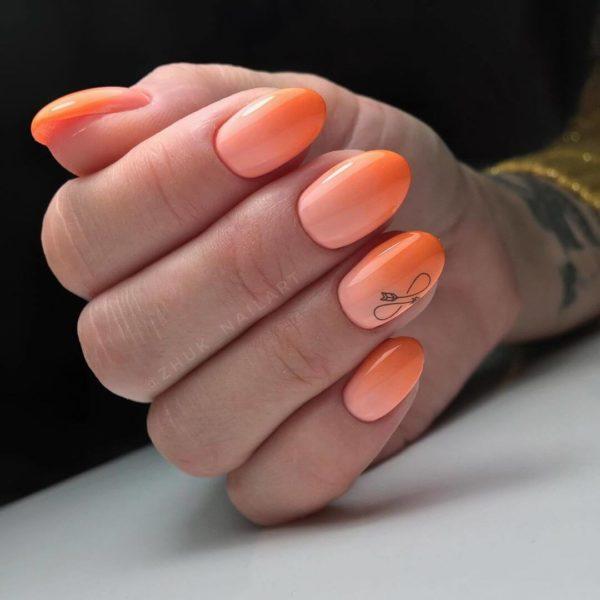 Оранжевый маникюр градиент