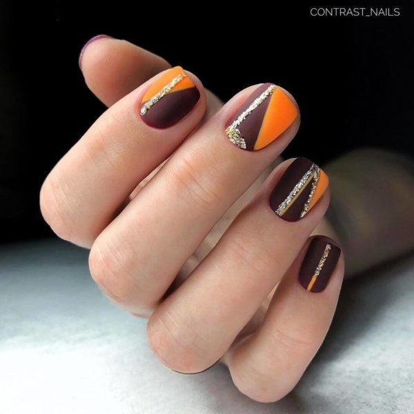 Оранжевый маникюр с коричневым