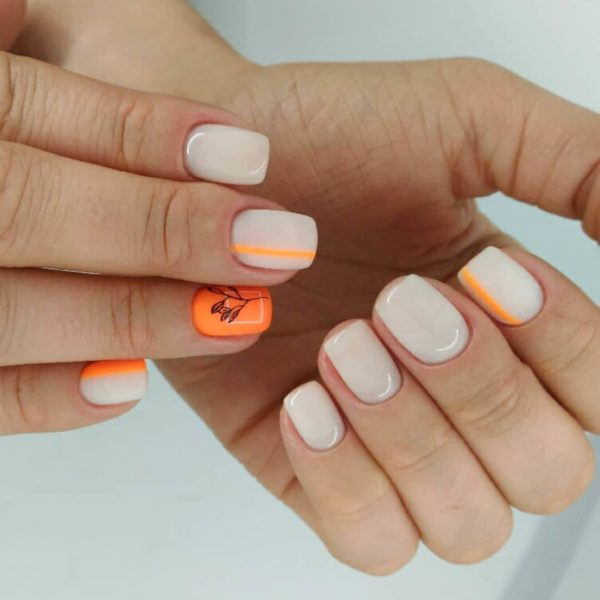 Оранжевый маникюр с серым