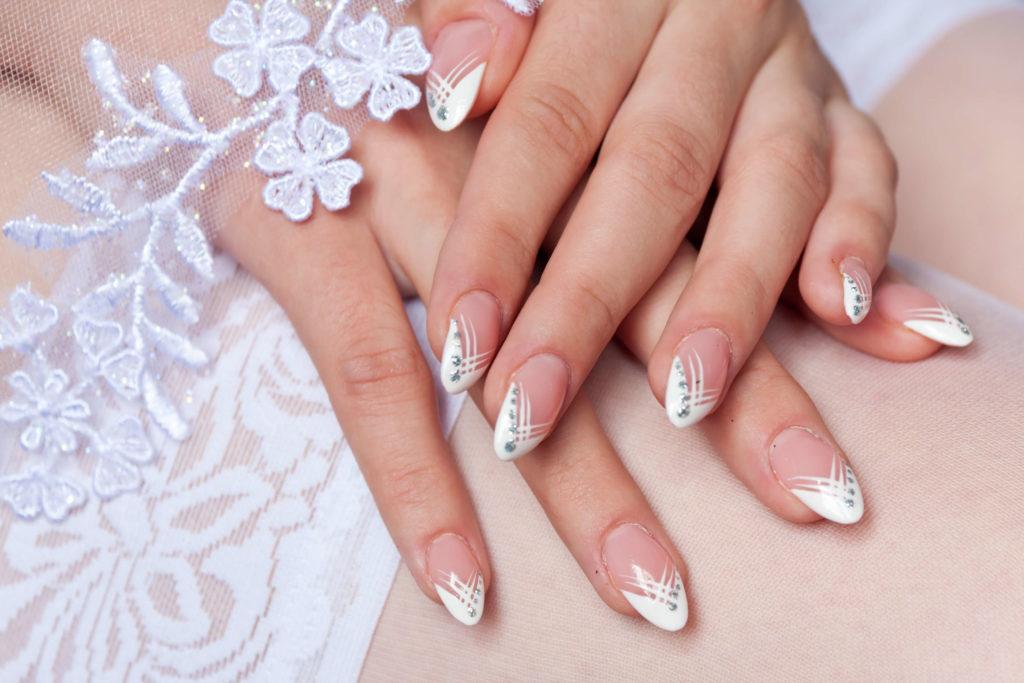 Принципы выбора дизайна и советы невесте по свадебному маникюру
