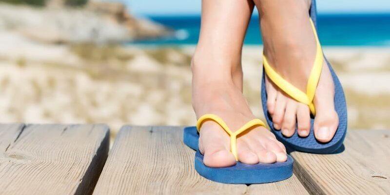 Трещины из-за открытой обуви
