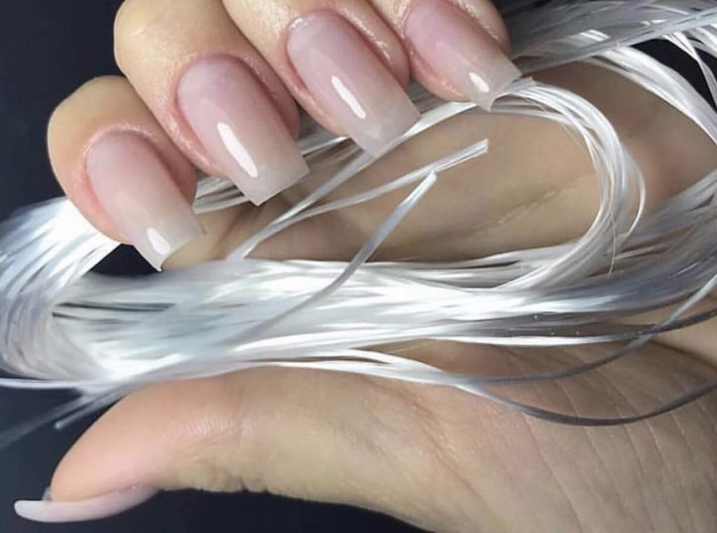 Плюсы и минусы файбергласса - материала для ногтей