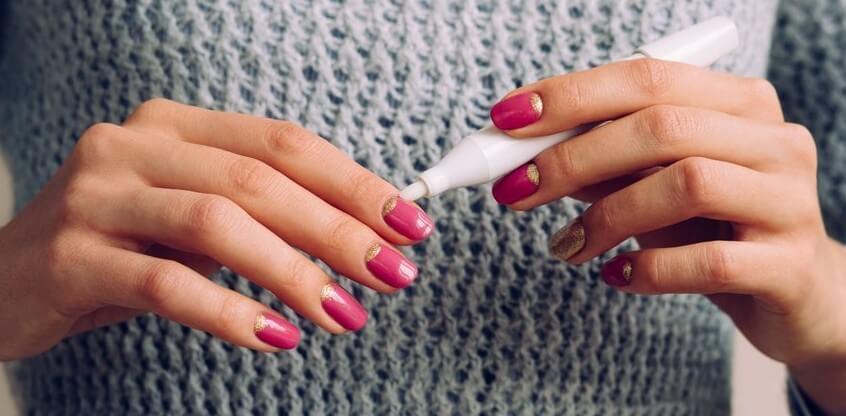Пропилы ногтя после аппаратного маникюра - что такое как избежать