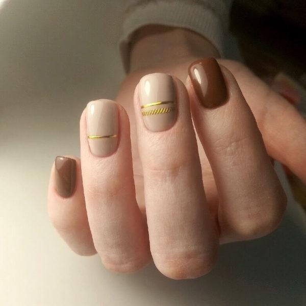 Повседневный коричневый маникюр