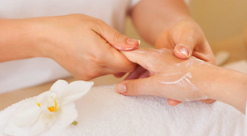 Правила выполнения маникюрного массажа