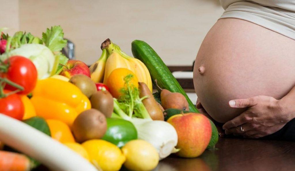 Питание во время беременности для здоровья ногтей
