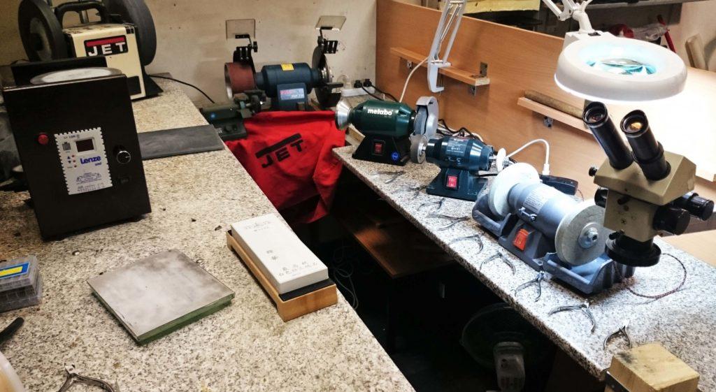 Профессиональное оборудование для заточки маникюрных инструментов