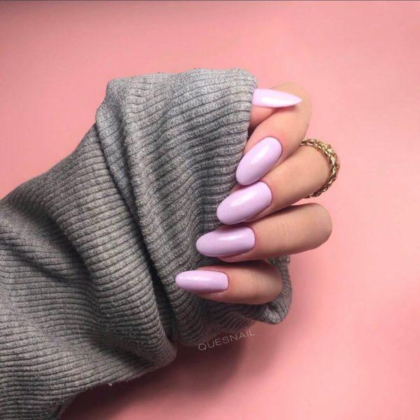 Простой розовый пастельный маникюр