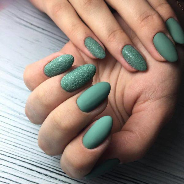 Пузырьковый зеленый маникюр