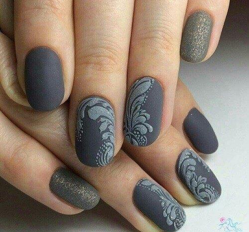 Роспись ногтей бархатным песком