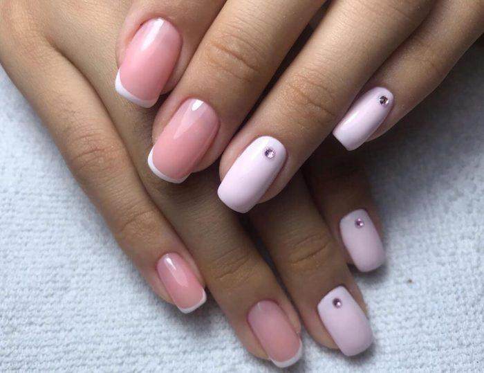 Розовый френч для квадратных ногтей