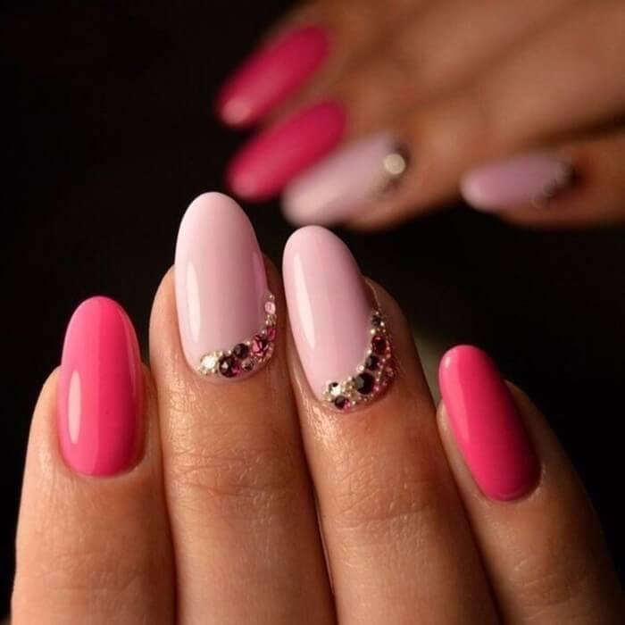 Розово-малиновый акцент на два пальца