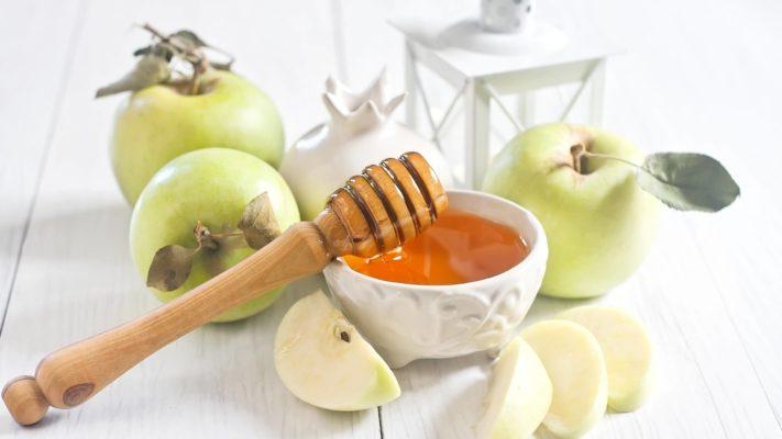 Маска с медом и яблоками