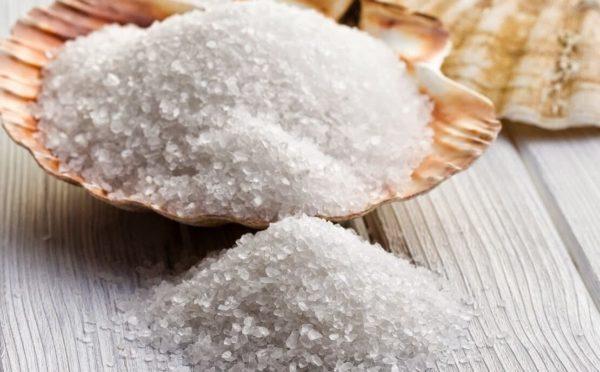 Рецепт ванночки для ног против отечности с солью