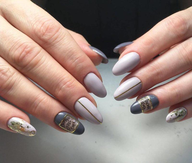Серый маникюр с наклейками на длинных ногтях
