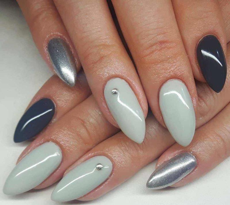 Серый с зеленым и серебром