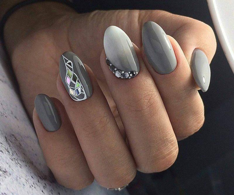 Серый градиент со стразами