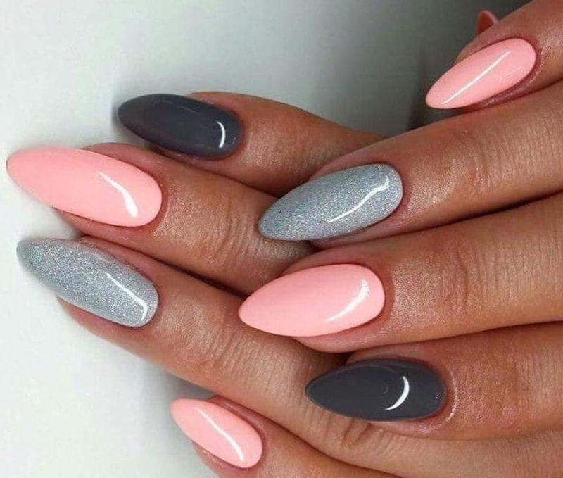 Серый с розовым маникюр
