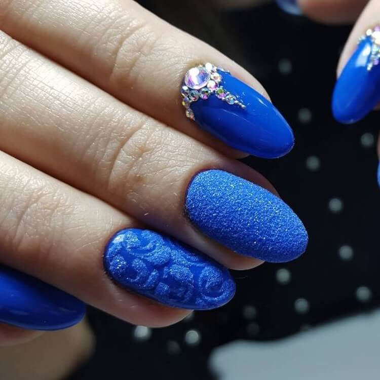 Синий матовый дизайн с бархатным песком