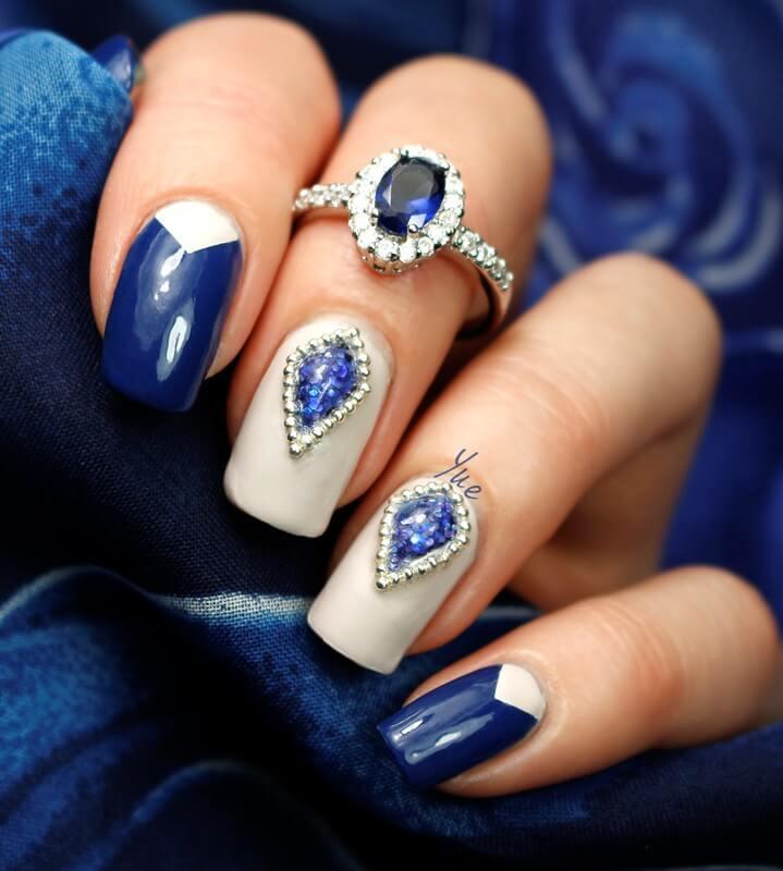 Синий нейл-арт жидкие камни