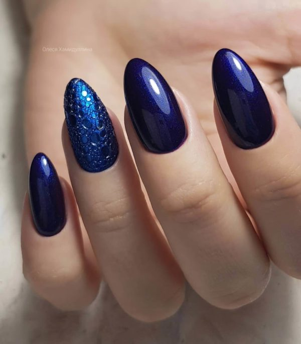 Синий маникюр на длинные ногти