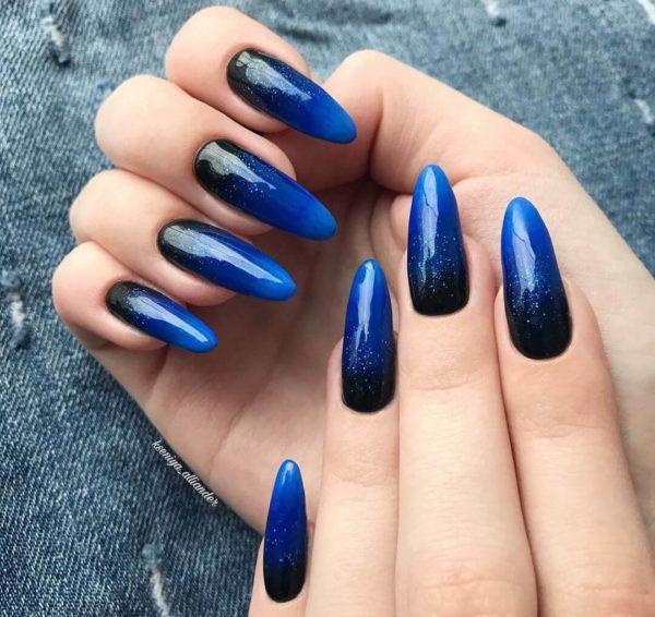 Синий маникюр градиент