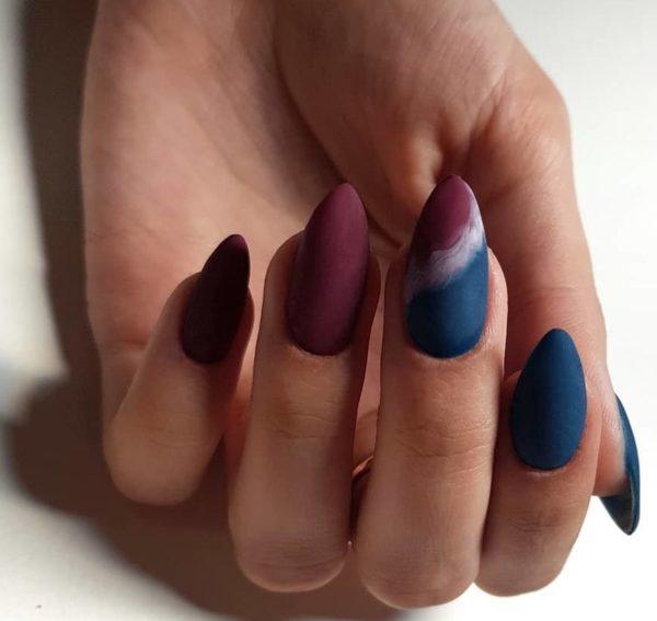 Синий матовый маникюр на длинные ногти