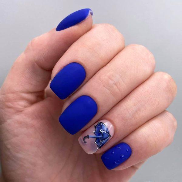 Синий матовый маникюр с рисунком