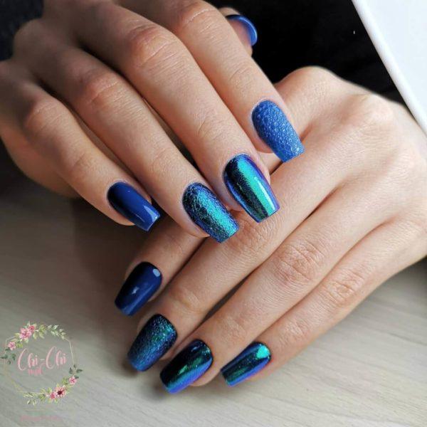 Синий пузырьковый маникюр