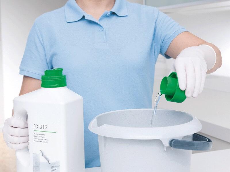 Как защитить себя от дезинфекционных растворов и других химических средств