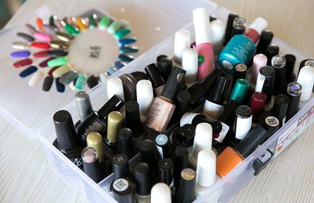Сколько составляет срок годности лаков для ногтей