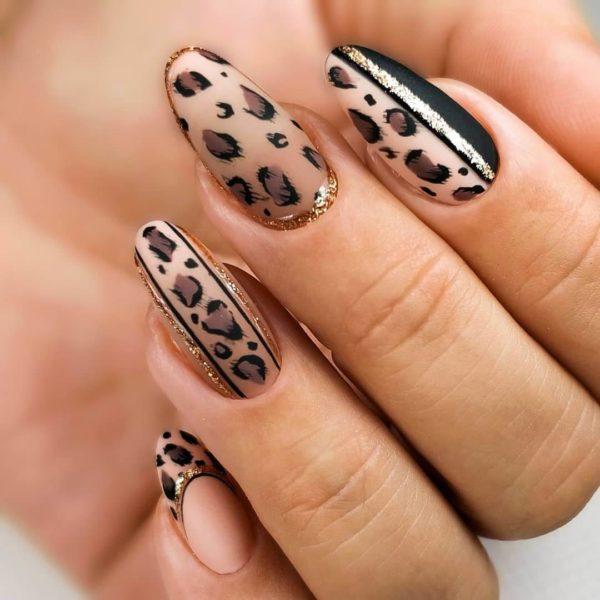 Животный принт с леопардом и золотом