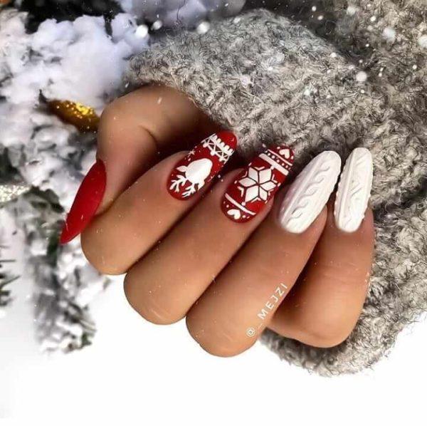 Бело-красный вязаный маникюр