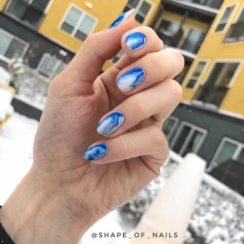 Яркая акварельная роспись на короткие ногти